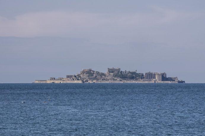 高浜海水浴場(アイランド)、長崎市野母崎地区からの軍艦島