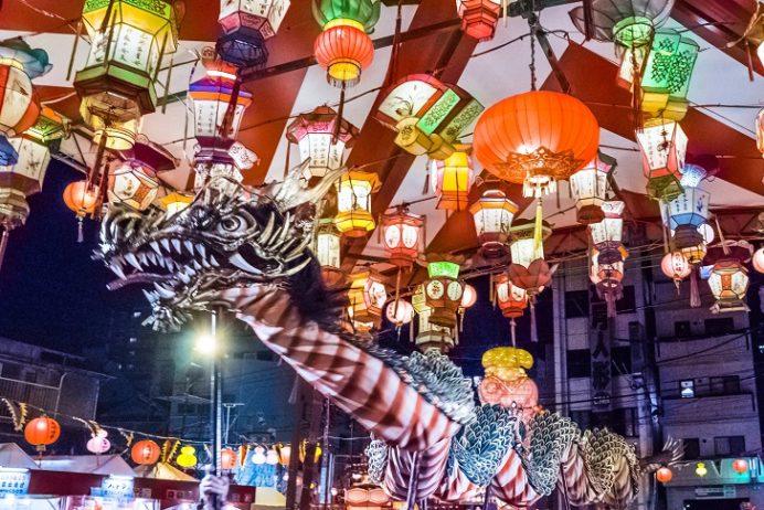 ランタンフェスティバルの龍踊り、十善寺龍踊会・鶴鳴学園長崎女子高 (中央公園)