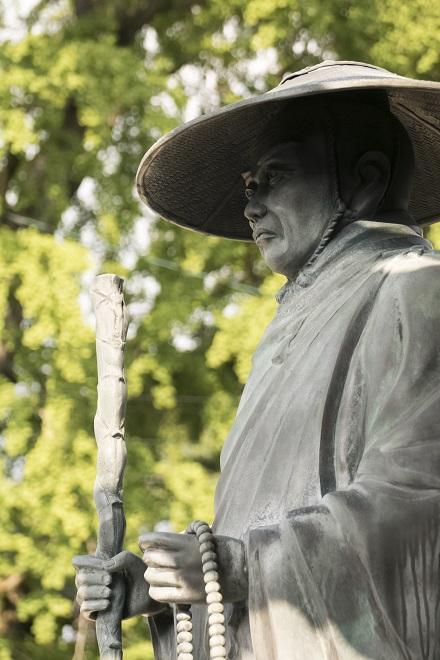 深崇寺(浄土真宗本願寺派)、長崎市寺町の親鸞像
