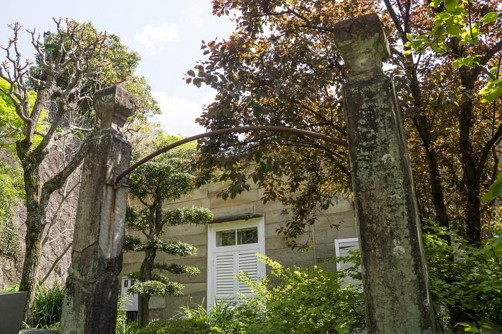グラバー園(長崎市南山手町)のフリーメイソンの門柱