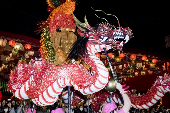 長崎ランタンフェスティバル(湊公園・新地中華街)の龍踊り