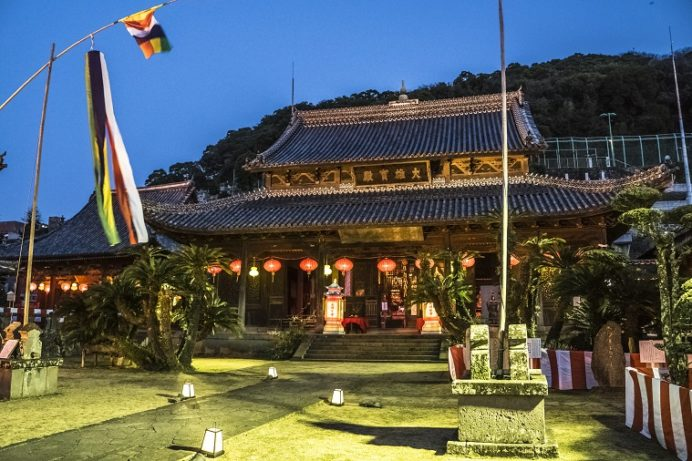 長崎ランタンフェスティバル(興福寺)の大雄宝殿