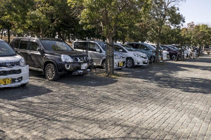 森の駐車場(北側)、水辺の森公園・長崎県美術館の駐車場