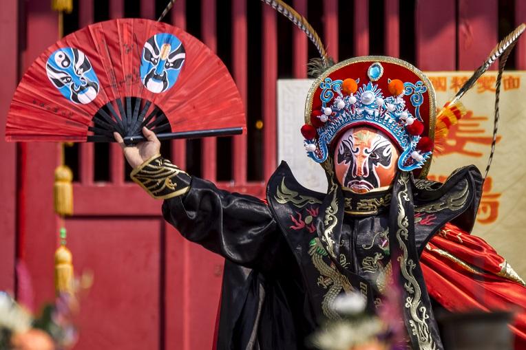 長崎孔子廟での中国変面ショー
