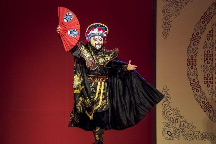 長崎ランタンフェスティバル、中国雑技団の中国変面ショー