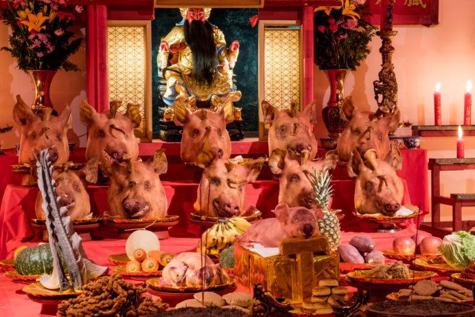 長崎ランタンフェスティバル、湊公園会場の関羽と豚の生首