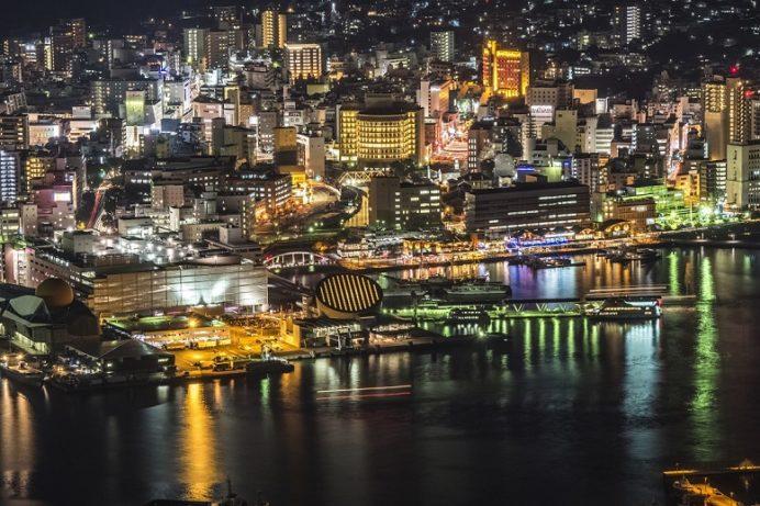 稲佐山山頂展望台 「ビュータワー」からの新世界三大夜景認定、長崎の夜景