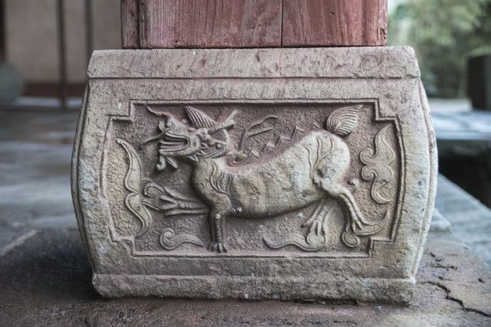 崇福寺(長崎市鍛冶屋町)の護法堂、礎盤(麒麟)