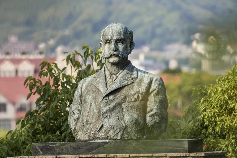 グラバー園(長崎市南山手町)のトーマス・ブレーク・グラバー胸像