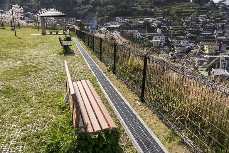 出雲近隣公園(長崎市)のベンチ