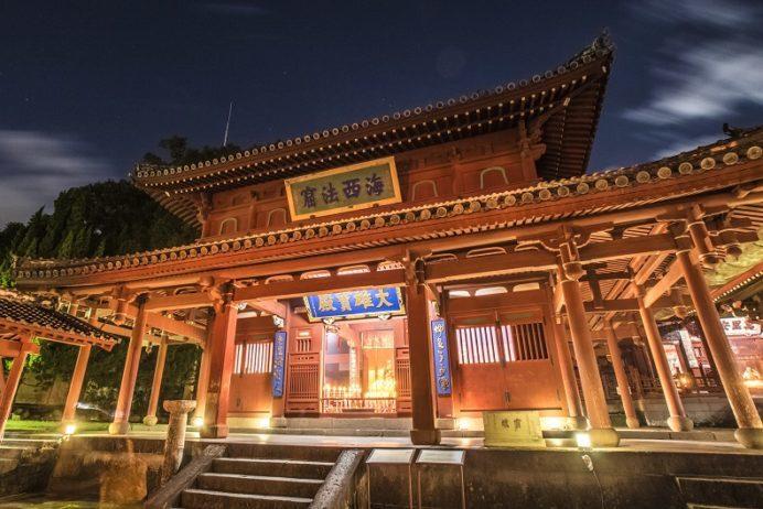 長崎ランタンフェスティバル(崇福寺会場)の大雄宝殿(本堂)