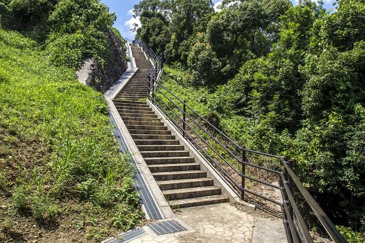 西海橋公園(長崎県西海市・佐世保市針尾)の西海の丘公園の登り口