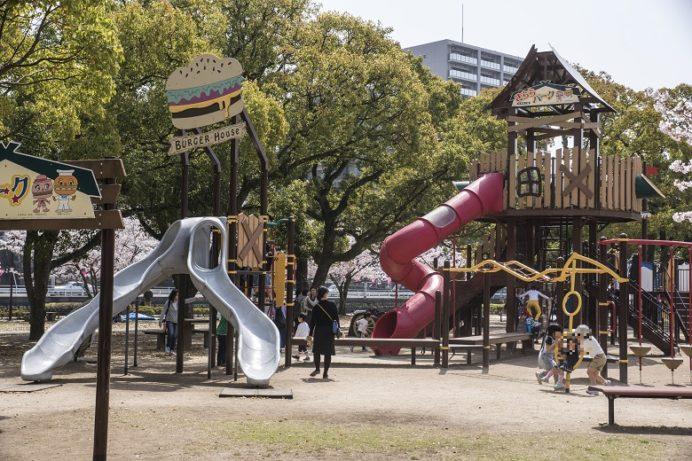 佐世保公園(長崎県佐世保市平瀬町)の遊具(きららパーク)