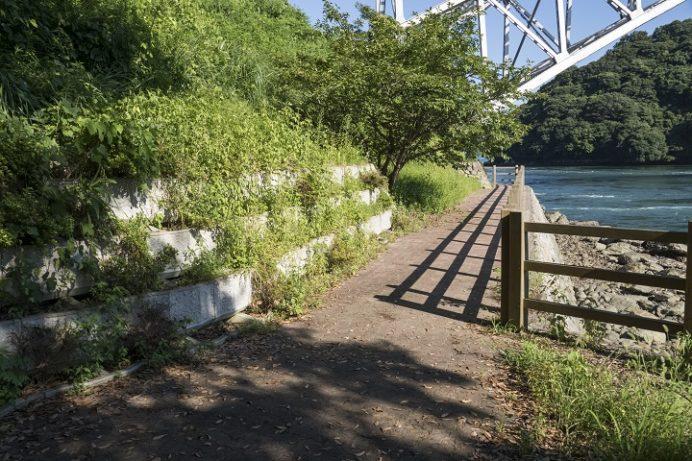 西海橋公園(長崎県西海市・佐世保市針尾)の潮見公園 (海辺のバルコニー)