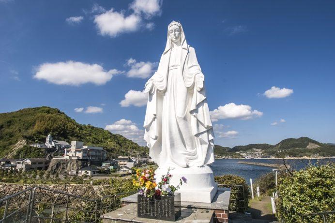 カトリック神ノ島教会(長崎市)の岬のマリア像