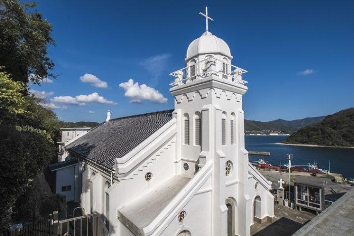 神ノ島教会(長崎市)【見どころ・礼拝ガイド】~海辺に立つ美教会
