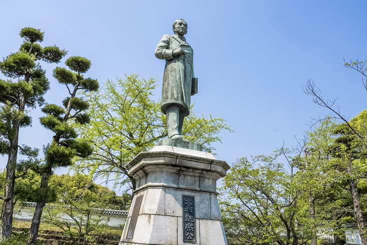 大村公園(長崎県大村市玖島)の「大村純熙」公の銅像