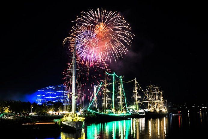 長崎帆船まつりでの花火