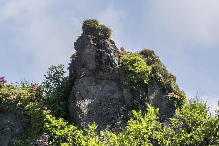 雲仙岳登山道(長崎県島原半島)、ラクダ岩 (キャメルロック)、立岩の峰