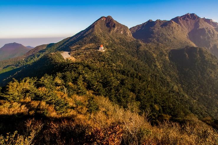 雲仙岳・仁田峠(長崎県島原半島)の紅葉、野岳展望所