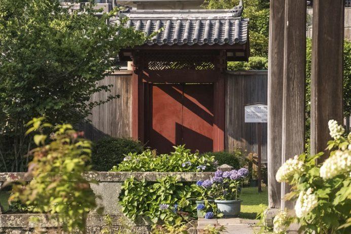 興福寺(長崎市寺町、唐寺)の旧唐人屋敷門