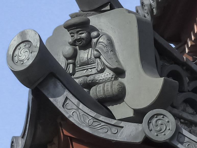 興福寺(長崎市寺町、唐寺)の鐘鼓楼の鬼瓦