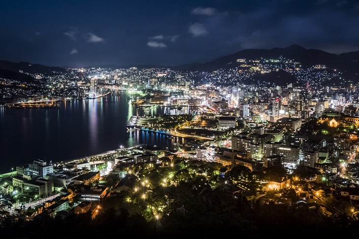 鍋冠山展望台からの長崎の夜景