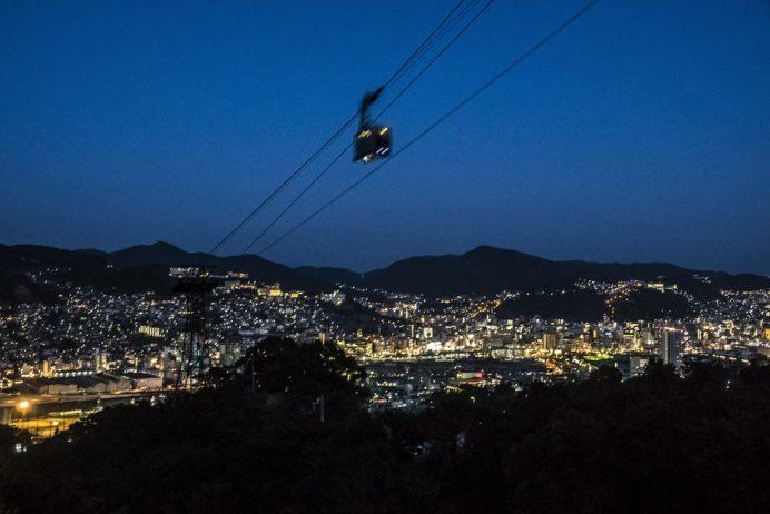 稲佐山登山道路・スカイブリッジの長崎ロープウェイと夜景