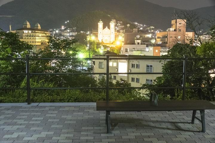 夜の天主堂の見える丘(浦上天主堂を遠望)