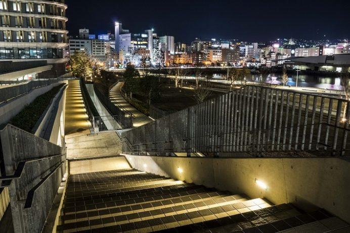 長崎県庁新庁舎からの新世界三大夜景の長崎の夜景