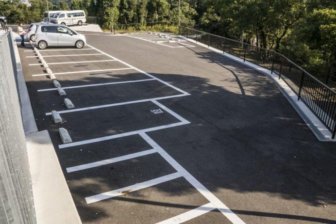 鍋冠山公園展望台の駐車場