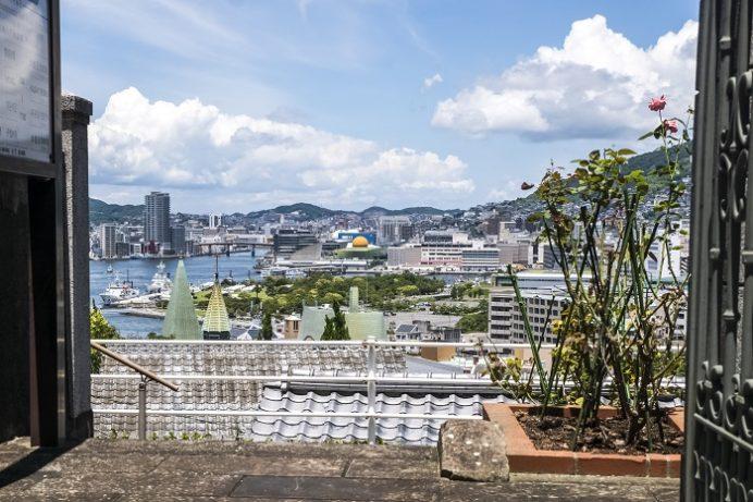 南山手レストハウス(旧清水氏住宅、南山手乙27番館)正門からの絶景
