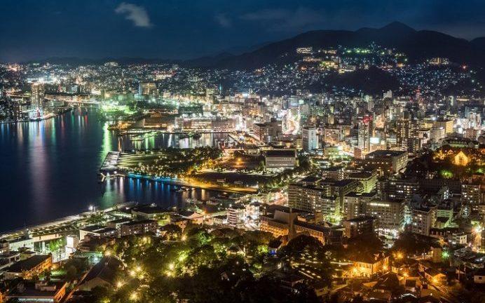 鍋冠山展望台からの新世界三大夜景、長崎の夜景