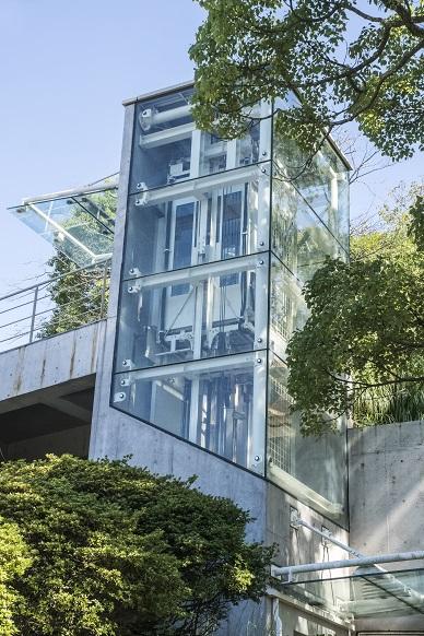 平和公園(長崎市松山町)のエレベーター