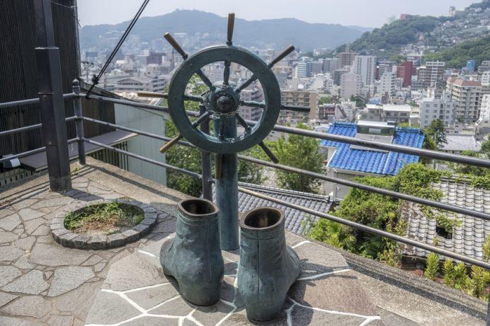 龍馬のぶーつ像(長崎市伊良林)