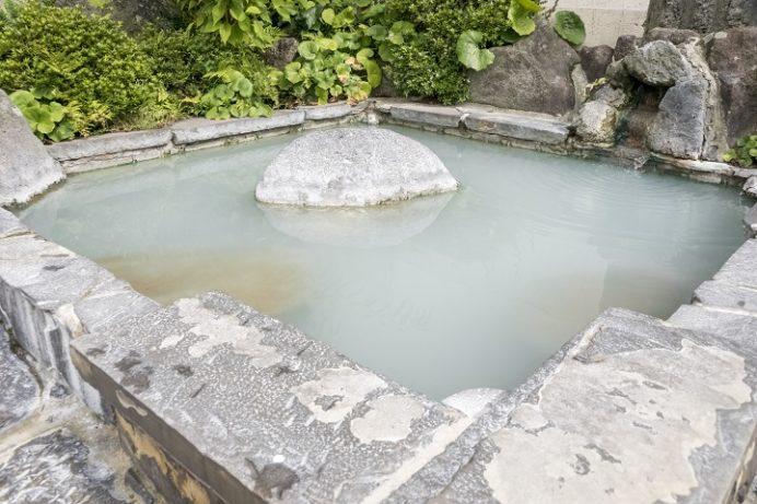 雲仙地獄(長崎県雲仙市小浜町)の湯元ホテルの足湯
