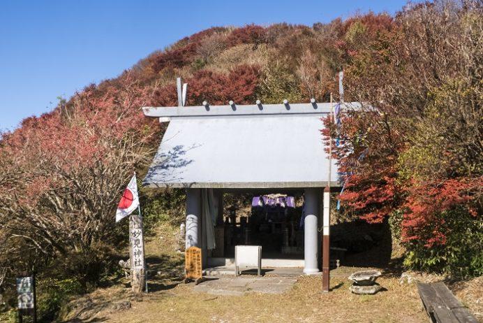 雲仙岳登山道(長崎県島原半島)、妙見神社の紅葉