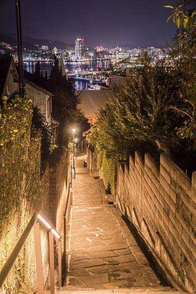 祈念坂の夜景(長崎市南山手町)