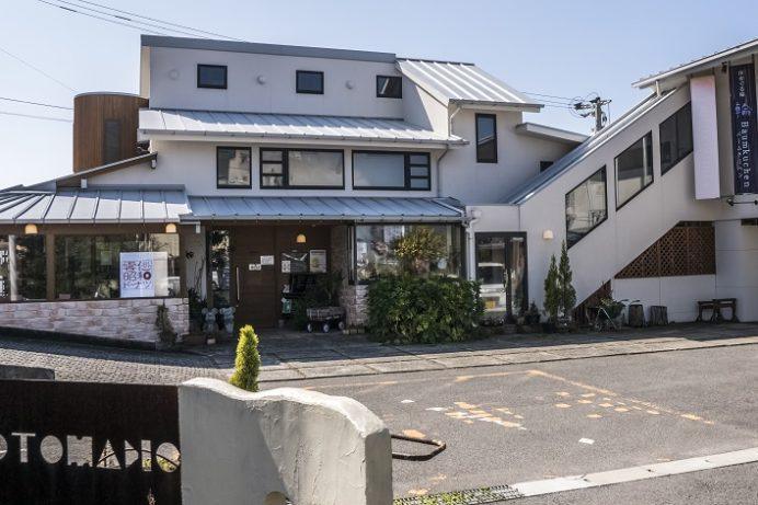 オカモト・シェ・ダムール(雲仙市小浜町)、ケーキバイキングのカフェ