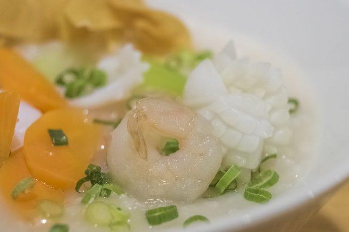 長崎燒小籠包 チャイデリカ(長崎中華街そば)の海鮮野菜粥(中華粥)