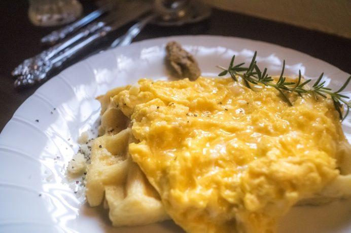 リンデン(Linden)、長崎県諫早市のふわふわ卵のオープンサンド