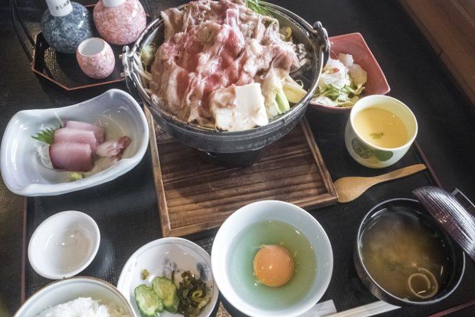 新鮮食彩 市むら(東長崎地区、長崎市かき道)のすき焼き刺身膳