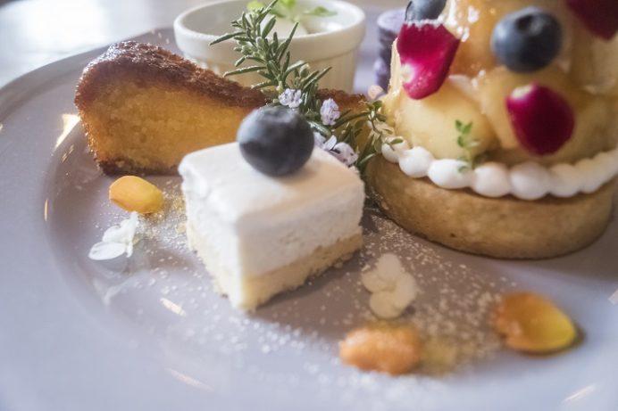 アンボワーズ(amboise)、長与町高田郷のケーキプレート