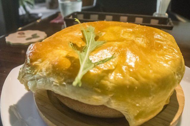 いい森古民家レストラン どんぐり(諫早市飯盛町)のシチュー風パイ包み海老グラタン