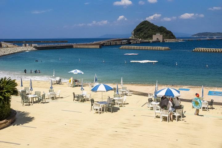 「高島海水浴場」(長崎市)【超美ビーチ!リゾート気分最高っ!!】