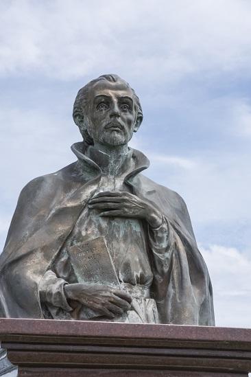ヴァリニャーノ神父像(南島原市・口之津港緑地公園)