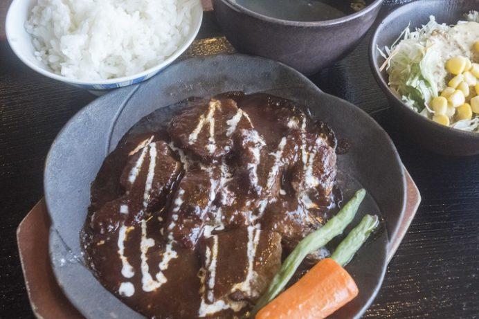 焼肉おがわ(諫早市松里町)の牛タン煮込み定食