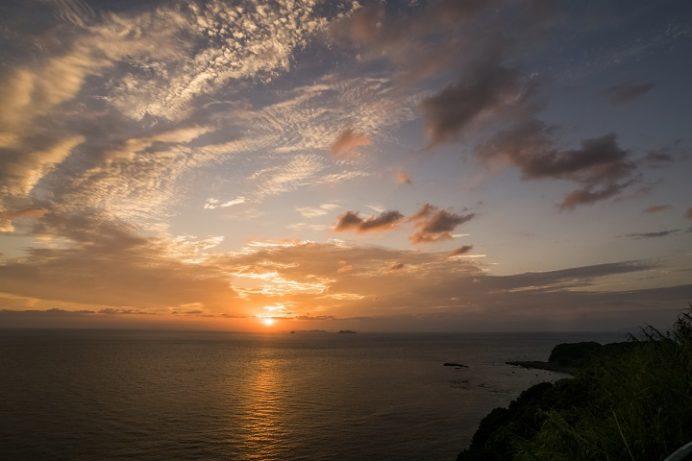 北緯33度線展望台(西海市崎戸町本郷)の夕日