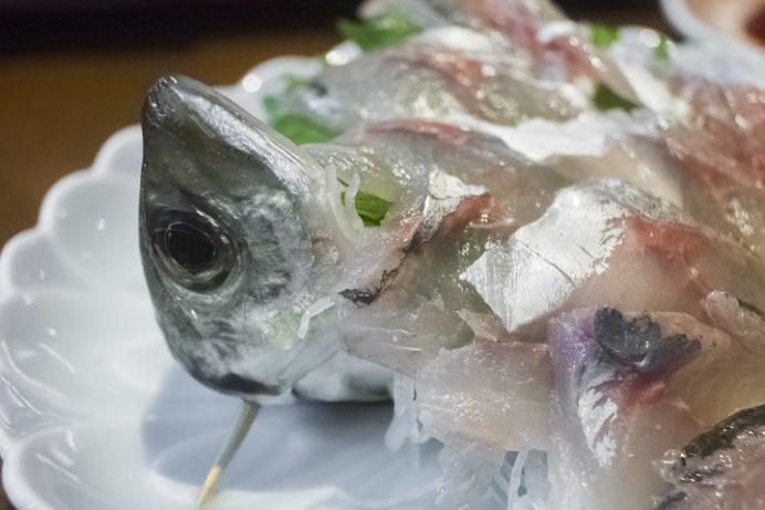 海鮮市場 長崎港 出島ワーフ店(長崎市)のあじの活け造り