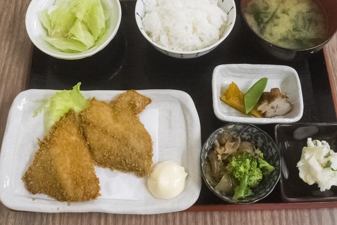 浜康(濱中水産)、長崎市新大工町のアジフライ定食